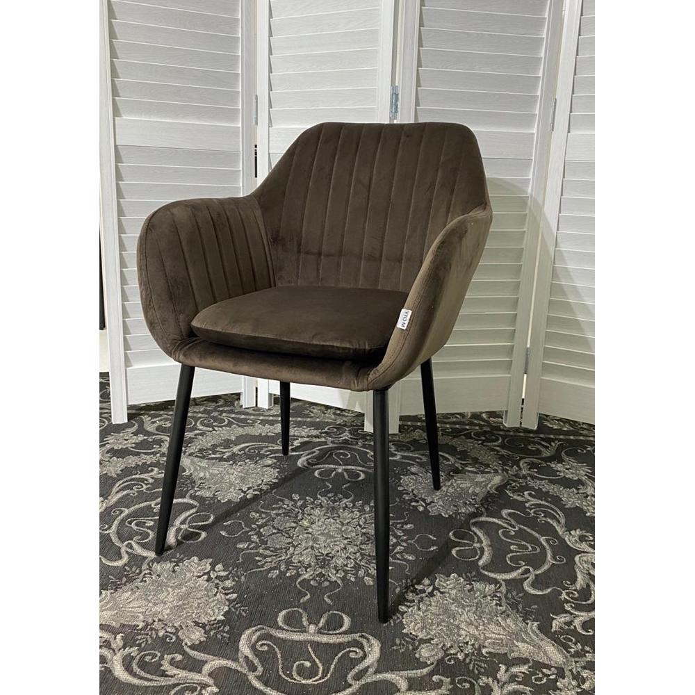 Стул-кресло из велюра цвета латте (арт. М3525)