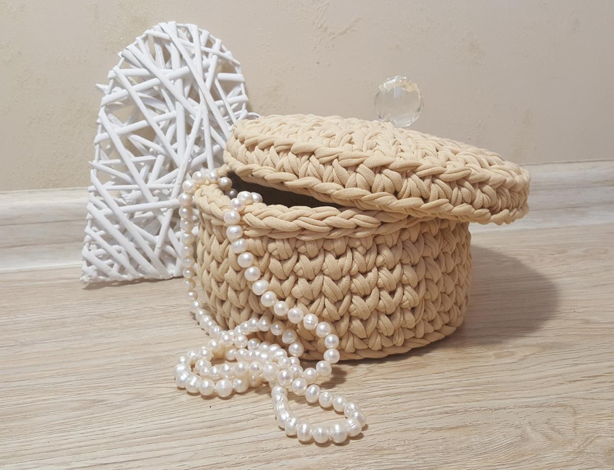 Бежевая корзина для хранения с крышкой и декоративной ручкой «Хрустальный шар» (арт. М412)