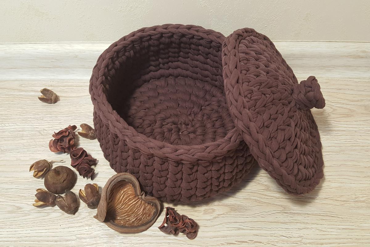 Вязаная круглая корзина для хранения коричневая с крышкой «кофе» (арт. М411)